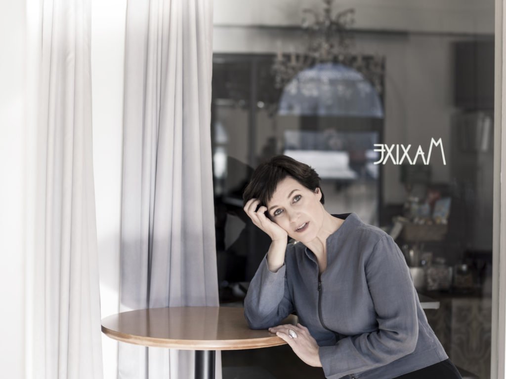 Annette Birkholz - Karo Wolf Photography